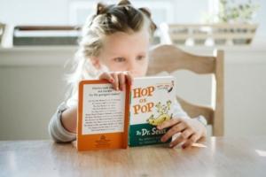 【赤ちゃん英語】絵本で親が教えられない「英語のセンス」が身につく!参考になる本のご紹介