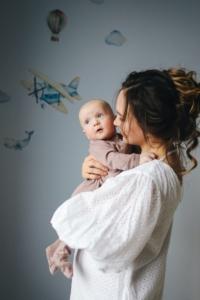 【赤ちゃん英語】英語での語りかけや話しかけは家庭でするべき?やめたほうがいい?注意点まとめ